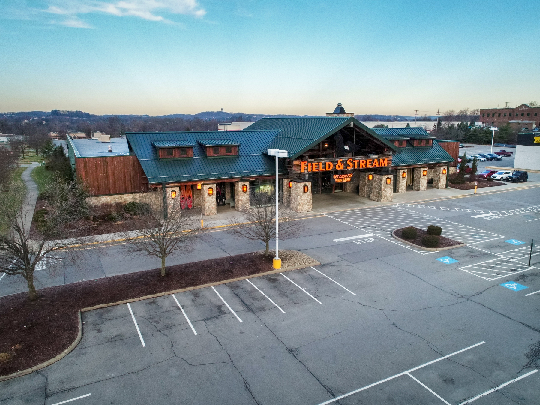 ALTO Real Estate Funds and M & J Wilkow Acquire Pittsburgh's Cranberry Square